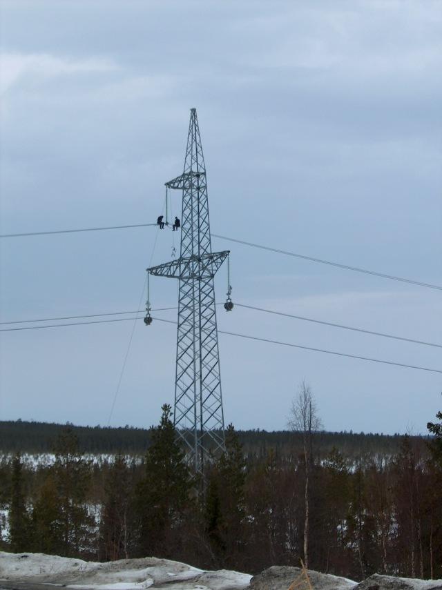 Sähkönsiirtoverkon rakentamista Murmanskin alueelta Karjalan Tasavaltaan. Alue on ylijäämäinen sähköntuontannossa mm. runsaan vesivoiman ja ydinvoiman vuoksi ja siksi siirtoverkot alueelta Karjalan Tasavaltaan ja mahdollisesti myöhemmin Pohjoismaihin tukevat alueen kehitystä.