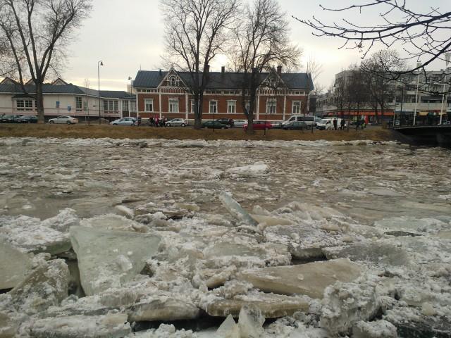 Arktiseksi kaupungiksi haluavaan Saloon on perustettu Suomen ensimmäinen jääpalatehdas Ilta-Sanomien mukaan